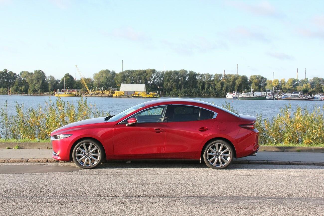 Mazda3 Skyactiv-X: Revolution schick eingekleidet