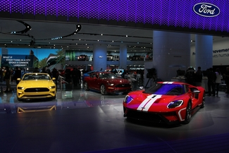 Detroit 2018 Ford Stand mit Ford GT