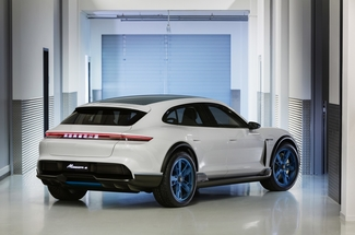 Porsche Mission E Cross Turismo (2018)