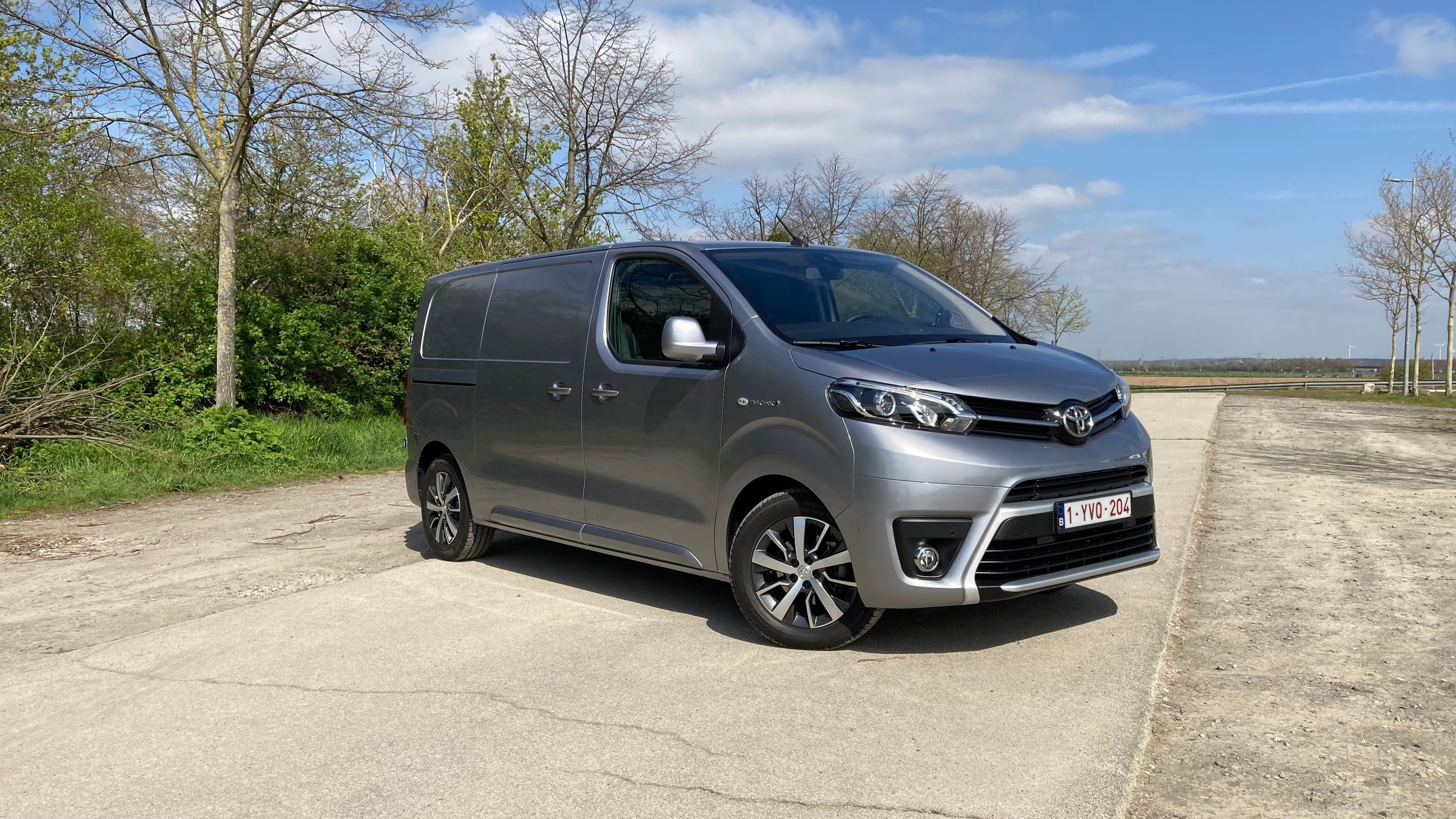 toyota-proace-electric-front-202104-1.jpeg